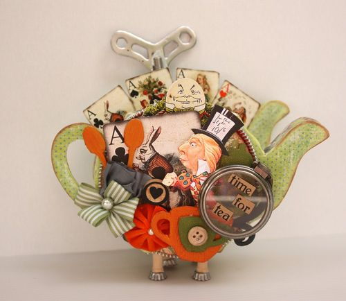 Mad Hatter teapot 3